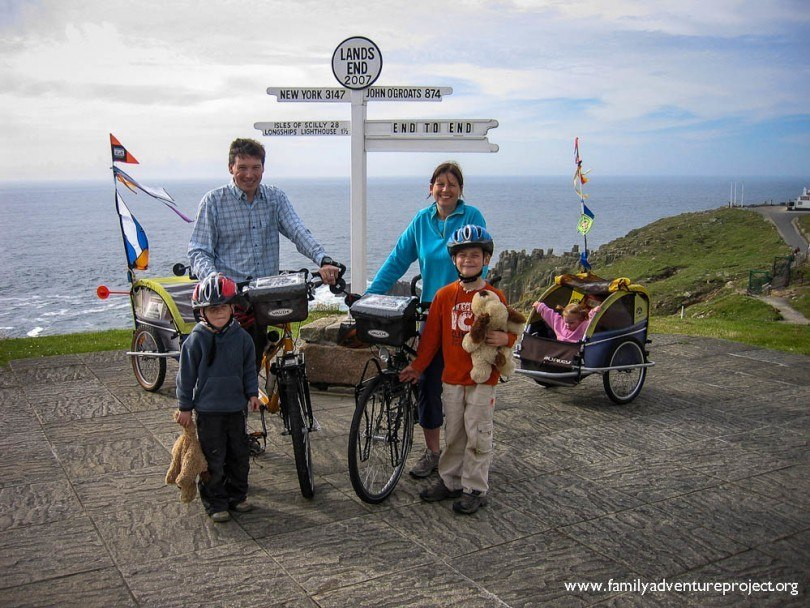 Family starts LEJOG cycle at Lands End