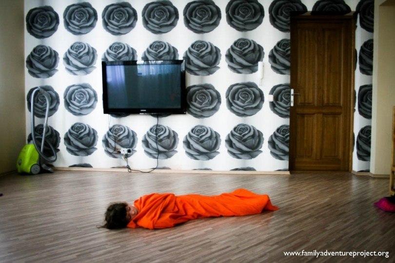 Sleeping on the floor Liepiaja