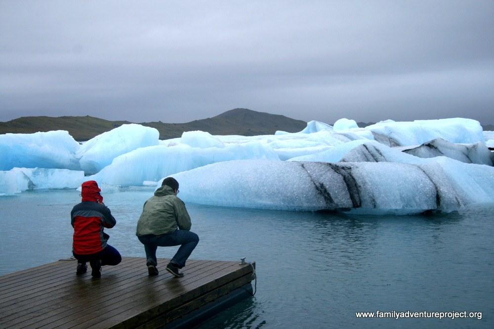People watching icebergs at Jokulsarlon glacial lagoon