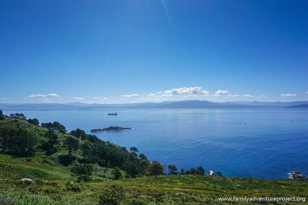 Looking out from Isla do Medio on the way to Faro da Porta, Islas de Cies, Galicia