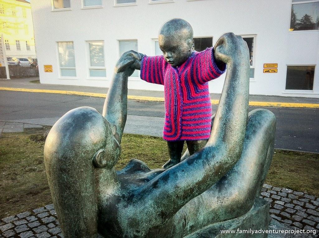 Guerilla Knitting in Reykjavik