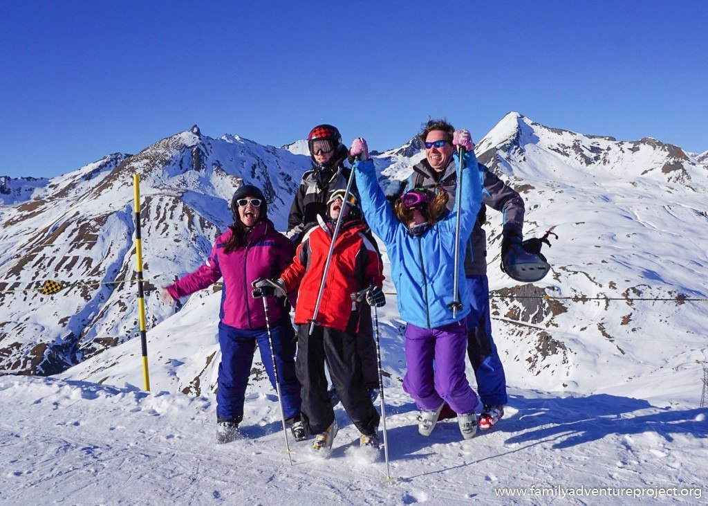 Family skiing in La Rosiere