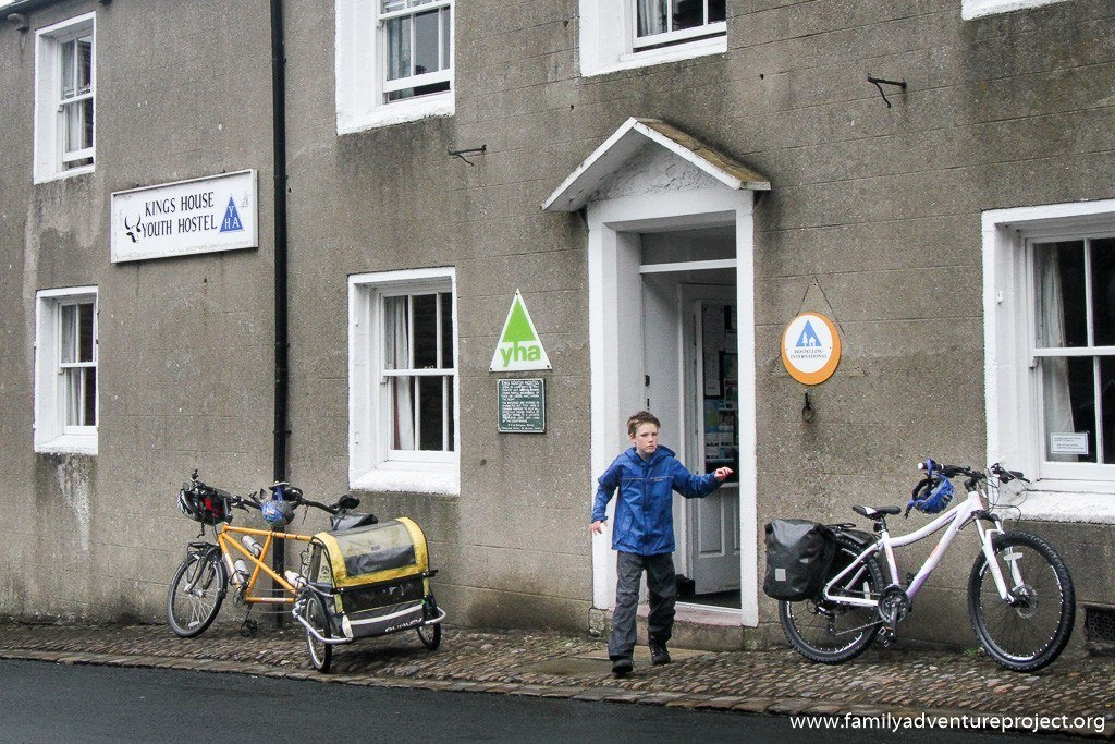 Leaving the Youth Hostel. This place is closed.