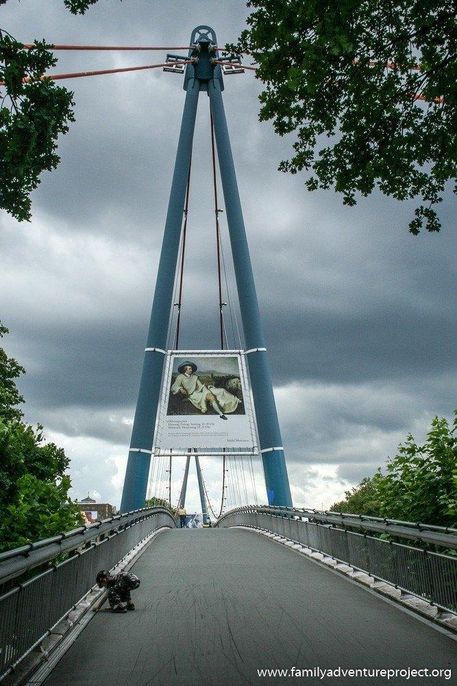 Bridge into Frankfurt