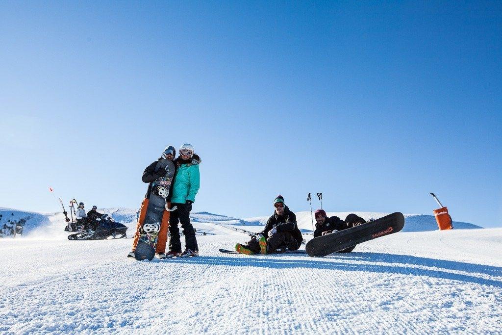 Snow Boarders in Pyrenees. Image Visit Costa Brava